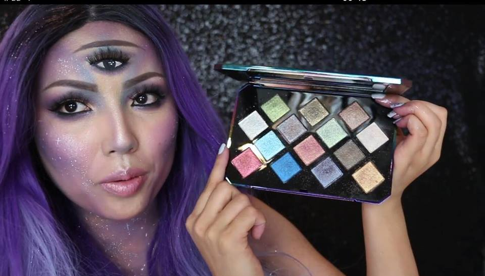 Promise Phan s shows the Galaxy Eyeshadow Palette (open)