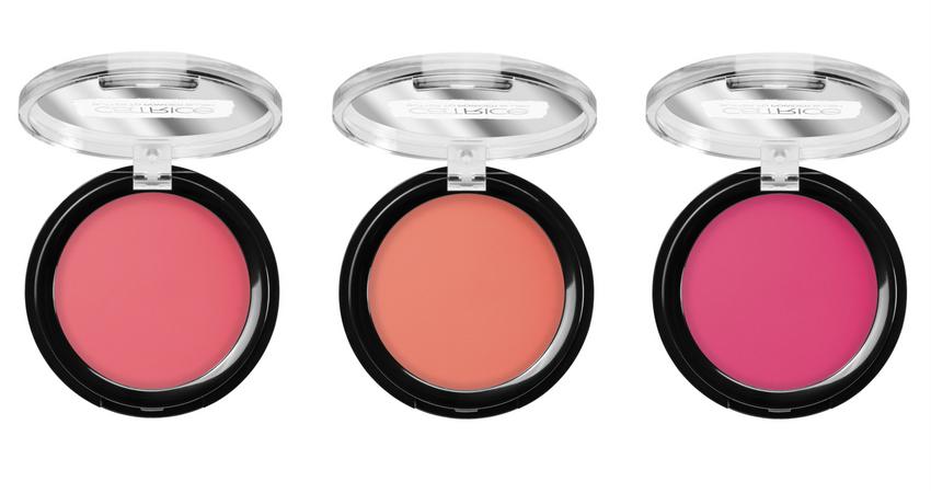 Blush fondente dal finish cipriato: 01 Vibrant Pink, 02 Peach Parfait, 03 Raspberry Sorbet