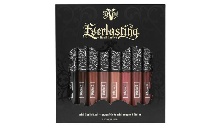 Il kit di Kat Von D che raccoglie le tinte labbra nelle sfumature del marrone.
