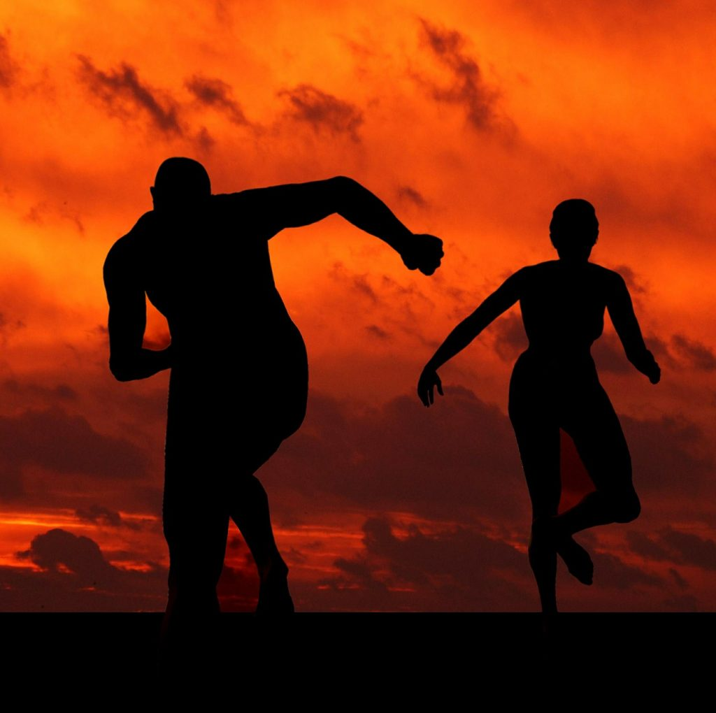 La struttura ossea, muscolare e gli apparati del corpo maschile e femminile sono differenti