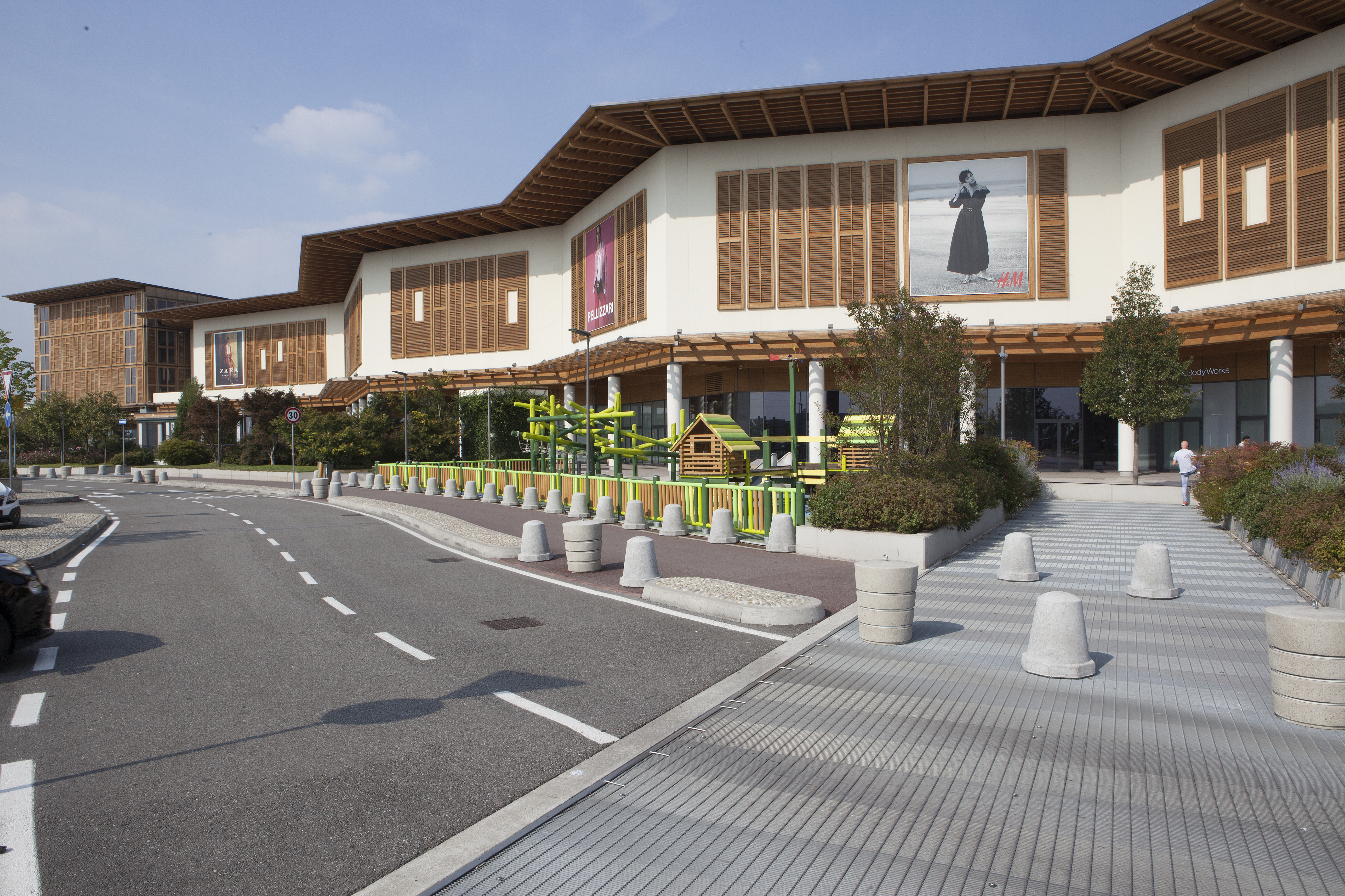 93 mila metro quadrati e ben 200 store: Il Centro di Arese